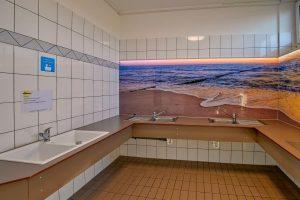 Nordsee-Camping Neuharlingersiel - Sanitärgebäude Nordseehus