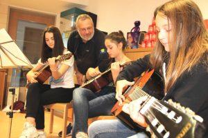 Gitarrenkurs Jugend-Club