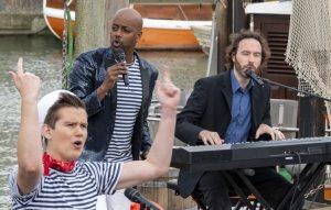 ZDF-Fernsehgarten on Tour in Neuharlingersiel - 13.10.2019 - Yared Dibaba und die Schlickrutscher singen auf feinstem Plattdeutsch - Foto: ZDF/Sascha Baumann