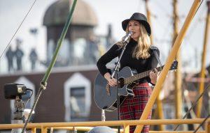 ZDF-Fernsehgarten on Tour Neuharlingersiel - 06.10.2019 - Sängerin und Songwriterin 'Vera Klima' - Foto: ZDF/Sascha Baumann
