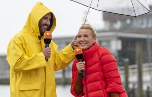 ZDF-Fernsehgarten On Tour Neuharlingersiel - 29.09.2019 - Elmar Paulke und Kiwi - Foto: ZDF/Sascha Baumann