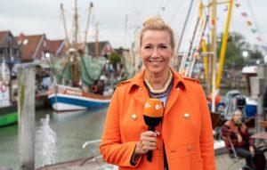 ZDF-Fernsehgarten on Tour Neuharlingersiel - 06.10.2019 - Moderatorin Andrea Kiewel (Kiwi) - Foto: ZDF/Sascha Baumann