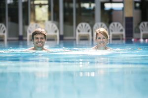 Schwimmen im Badewerk