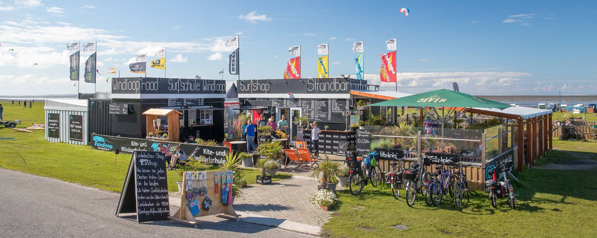 Kite- und Windsurfschule Windloop mit Strandbar/Beachbar