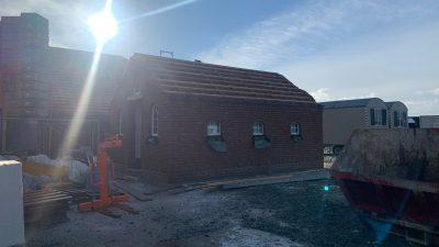 Sanitärgebäude Backhaus mit Fenster